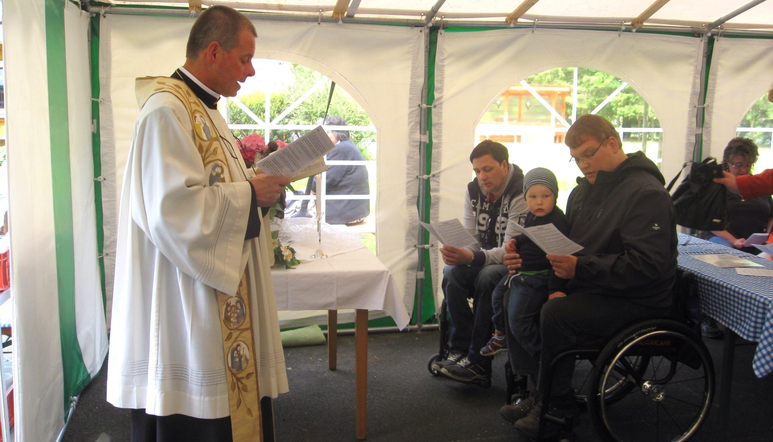 Pfarrer Peter Brolich gestaltete die Maiandacht