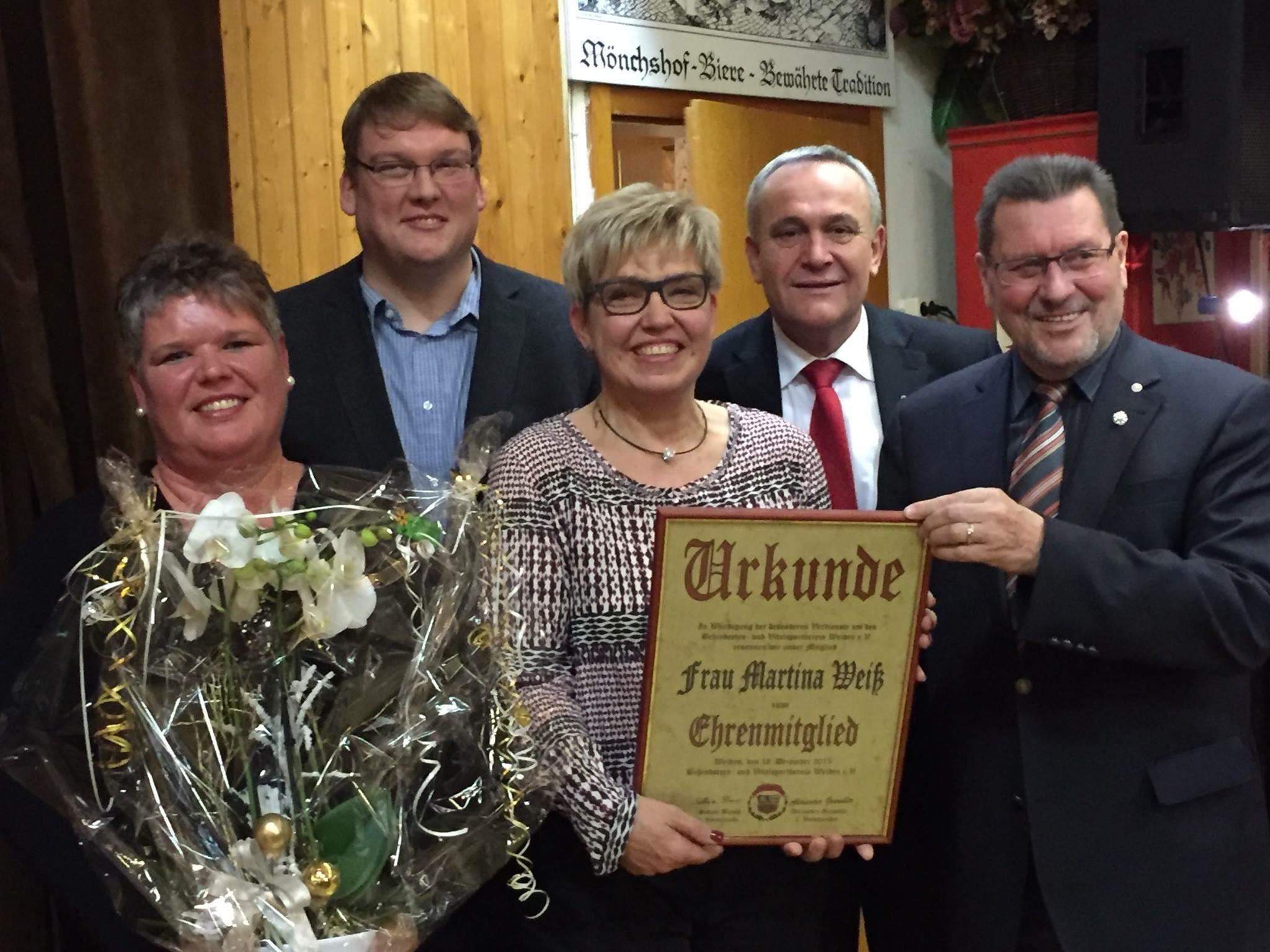 Martina Weiß wird Ehrenmitglied