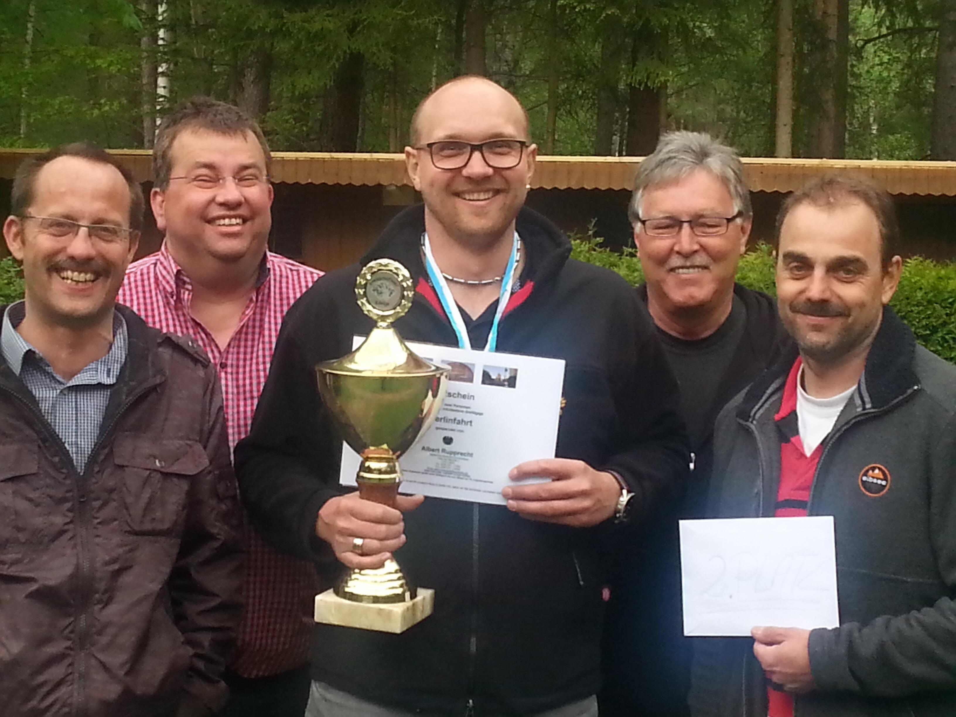 Die Sieger des Preisschafkopfes Jürgen Zintl, Lothar Eismann, Markus Frischmann, Rainer Flierl und Stephan Kick
